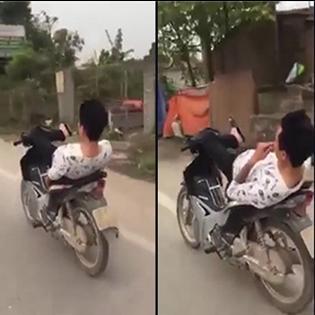 Biểu diễn chạy xe bằng chân, một thanh niên gặp tai nạn nhớ đời