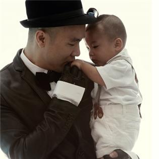 Ngắm bộ ảnh cực đẹp của Đỗ Mạnh Cường và cậu con trai fashionista