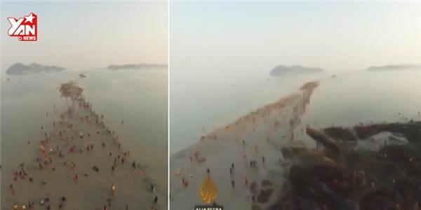 Đổ xô đi xem biển tự tách làm đôi ở Hàn Quốc