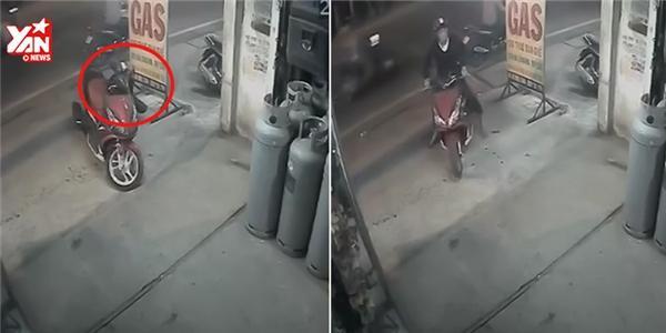 Trộm xe máy ngay trước mặt chủ
