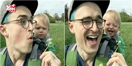 Em bé làm chao đảo cư dân mạng với nụ cười có 1 không 2