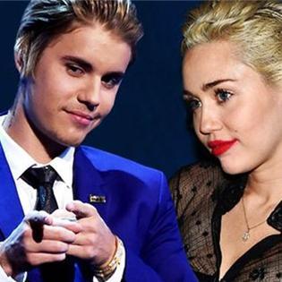 Cả Selena Gomez lẫn Miley Cyrus đều mang thai con của Justin Bieber?