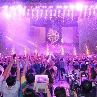 Ngó nghiêng thành tích  khủng  của 3 DJ chính xuất hiện tại Escape Summer 2015