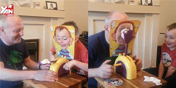 Phì cười với trò chơi đầy tính bất ngờ: đập bánh vào mặt
