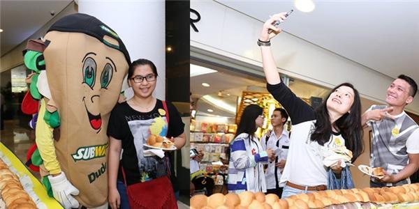 Bánh mì phong cách Mỹ dài nhất Việt Nam được đông đảo bạn trẻ chào đón