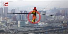 Thót tim màn bịt mắt đi trên dây ở độ cao 300m