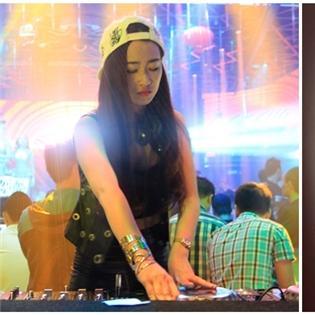 Sau The Remix, Trang Moon bỏ DJ làm ca sĩ