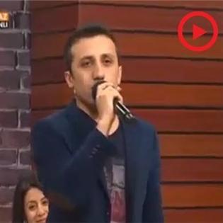 Chàng tây hát  Quê hương  ngọt như mía lùi trên sóng trực tiếp Thổ Nhĩ Kỳ