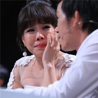 Việt Hương sửng sốt với người đàn ông dùng lưỡi chặn cánh quạt
