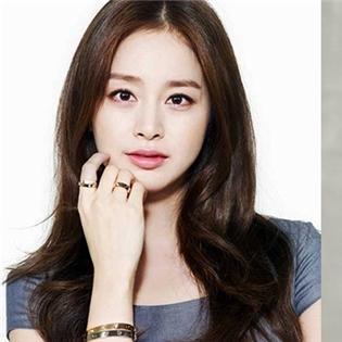 Gác chuyện cưới xin, Kim Tae Hee rụt rịch  cặp kè  trai trẻ