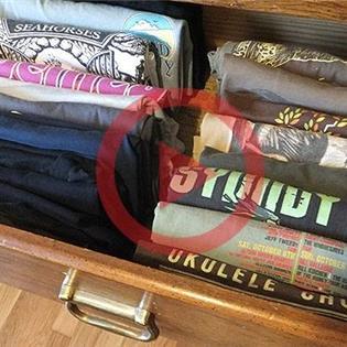Mẹo giúp tủ quần áo của bạn không còn rối tung rối mù