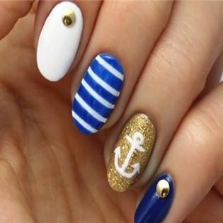 Đón hè về cùng bộ móng tay mang phong cách biển cả