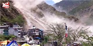 Kinh hoàng cảnh đá lở trận động đất Nepal ngày 12/05