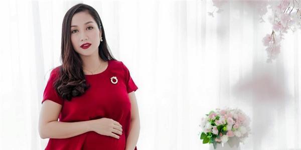 """Ốc Thanh Vân – Gái 3 con trông vẫn """"mòn con mắt"""""""