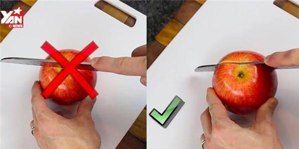 Mẹo cắt táo nhanh gọn lẹ mà không sợ bề mặt bị đen