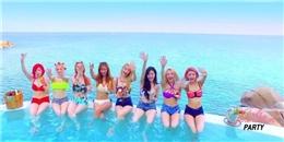 SNSD diện bikini tưng bừng  Party  ngoài bờ biển