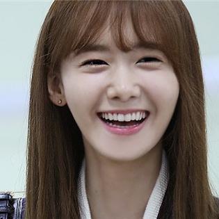 Yoona vinh hạnh lọt top nghệ sĩ đẹp nhất khi nhìn ngoài đời
