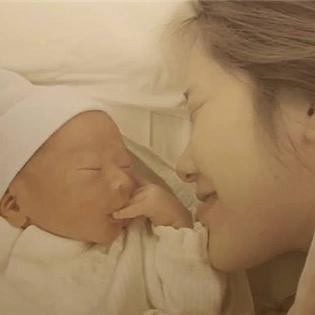 Rơi nước mắt với đoạn phim về trải nghiệm làm mẹ lần đầu tiên