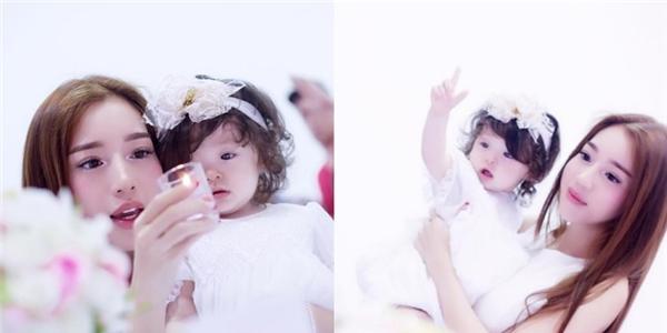 """""""Đứ đừ"""" trước vẻ đẹp tựa thiên thần của hai mẹ con Elly Trần"""