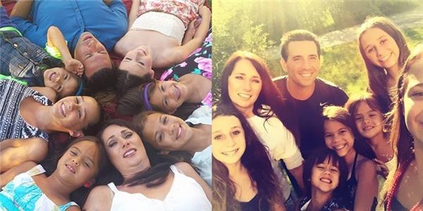 Cảm động người phụ nữ nhận nuôi bốn đứa con của người bạn đã mất