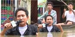 Xúc động mạnh trước hình ảnh phóng viên đưa tin trong mưa lũ kinh hoàng