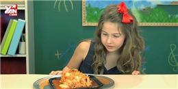 Phản ứng 'khó đỡ' của các bé khi lần đầu được ăn kim chi