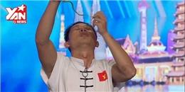 Võ sĩ Việt miệng ngậm rắn lục khiến khán giả Châu Á lạnh người
