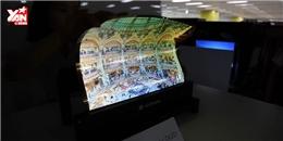 Trố mắt nhìn tivi bằng nhựa dẻo lần đầu lộ diện