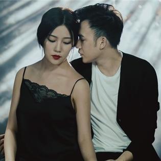 """Chia tay Mai Hồ, Dương Triệu Vũ """"thay"""" người tình mới xinh đẹp"""