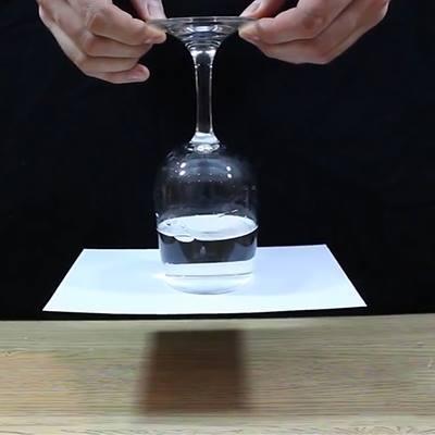 Choáng với những thí nghiệm hóa học  ảo diệu  ngay tại nhà