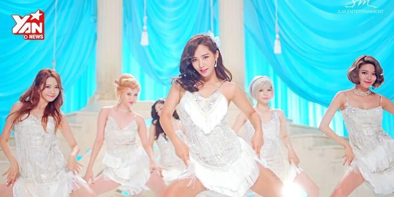 """SNSD xoạc chân """"cua trai"""" trong MV mới Lion Heart"""