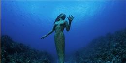 Rùng rợn những bức tượng lạ giữa lòng đại dương