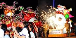 Lung linh sắc màu đêm hội rước đèn truyền thống ở Phan Thiết