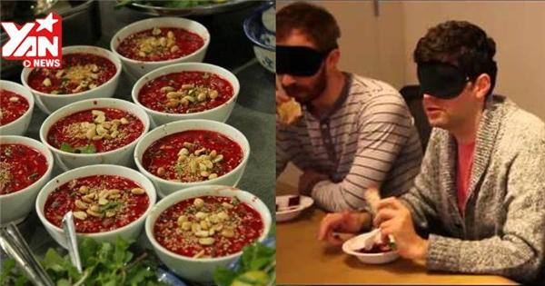 Chết cười phản ứng của người nước ngoài khi ăn món tiết canh