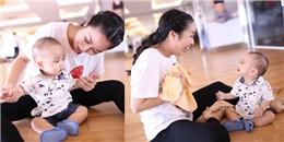Ốc Thanh Vân vui đùa cùng con trai út trên sàn tập nhảy