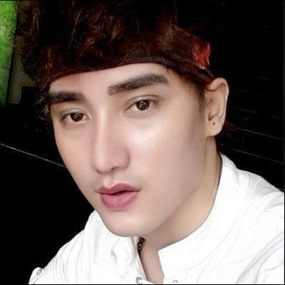 """Lộ ảnh """"hot boy dao kéo"""" đẹp như ngôi sao xứ Hàn"""