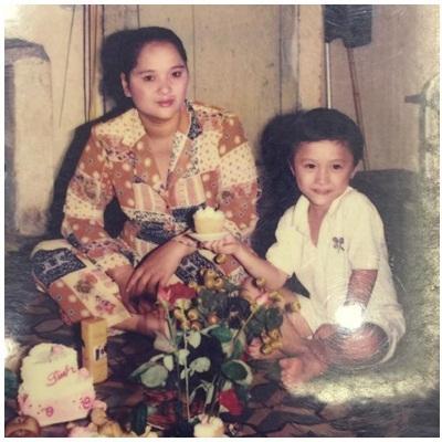 Vũ Duy Khánh tặng mẹ quà sinh nhật đặc biệt