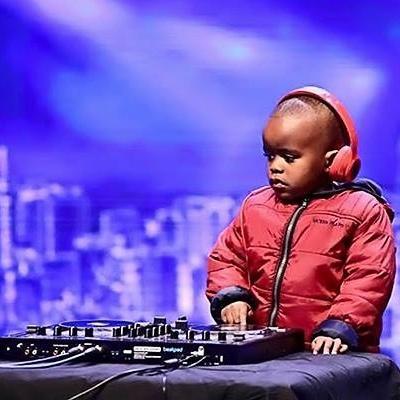 Thần đồng DJ 3 tuổi làm  rung chuyển  sóng truyền hình