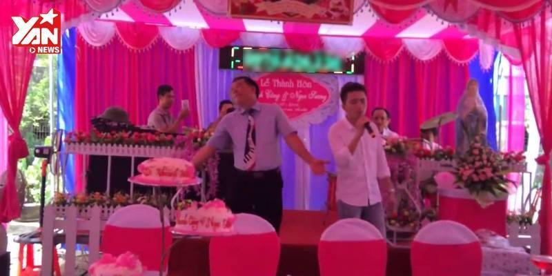 Cười nghiêng ngả MC đám cưới  quẩy  tưng bừng với Vợ người ta