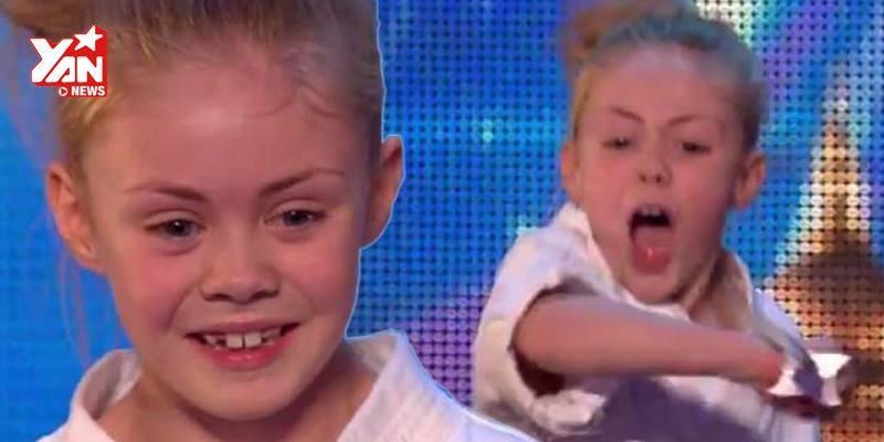 Cô bé múa kiếm trên sân khấu khiến ban giám khảo  chết khiếp
