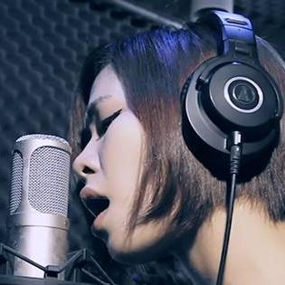 Hà Nhi Idol - Hello