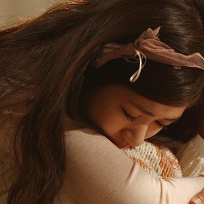 Em muốn được ôm anh từ phía sau
