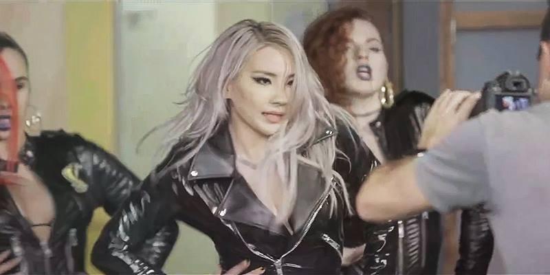 Hậu trường MV  Hello Bitches  đánh dấu sự trở lại ồn ào của CL