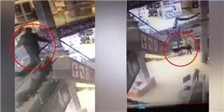 Người đàn ông bất ngờ rơi khỏi thang cuốn Trung tâm thương mại