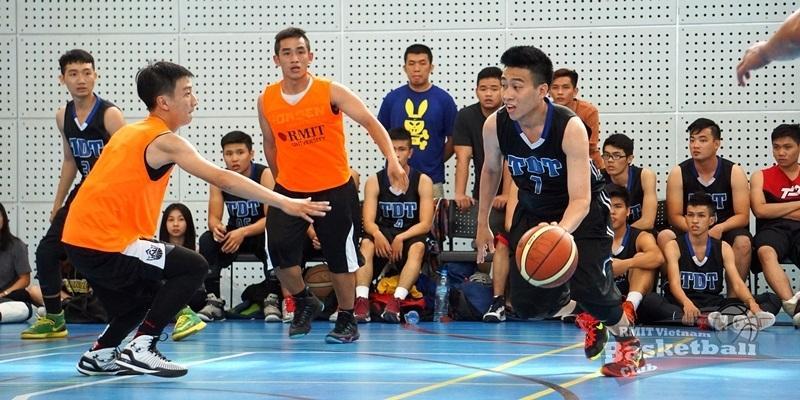 Giải bóng rổ truyền thống RMIT bước vào vòng loại trực tiếp