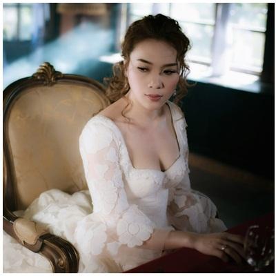 Mỹ Tâm mặc váy cưới lộng lẫy như nàng công chúa