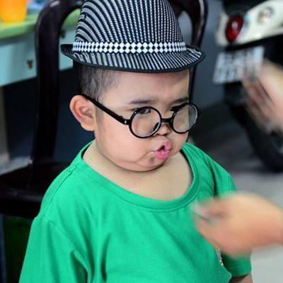 Ku Tin khoe giọng hát  Hồn quê  siêu hay và đáng yêu