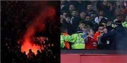 Fan MU và Liverpool 'hỗn chiến' sau trận đấu