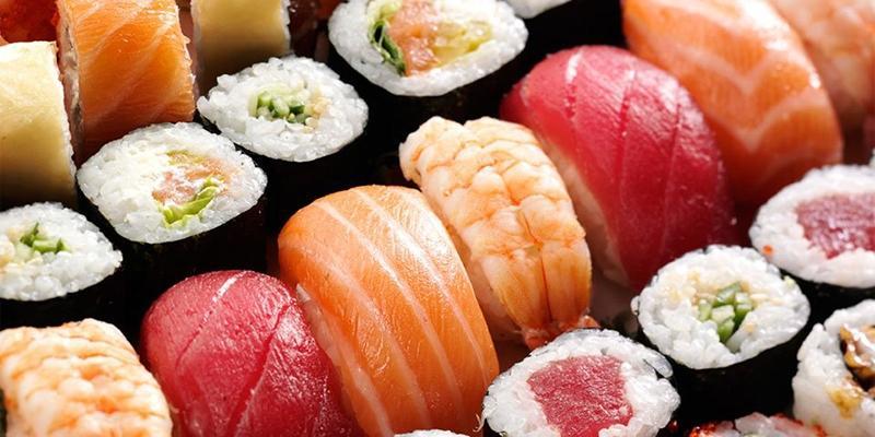 """Nguy hiểm tiềm ẩn khiến """"tín đồ"""" sushi phải giật mình"""