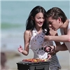 2 diễn viên 'Tình yêu không có lỗi' bất ngờ đăng status tiếng Việt khiến fan bấn loạn